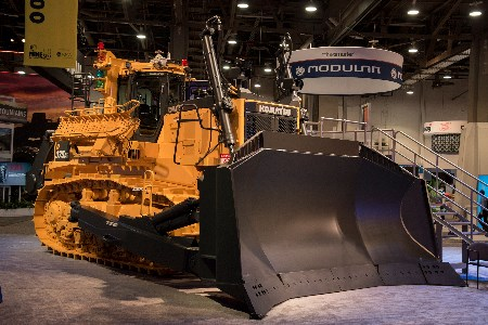 MINExpo 2016: Komatsu preview new dozer and haul truck
