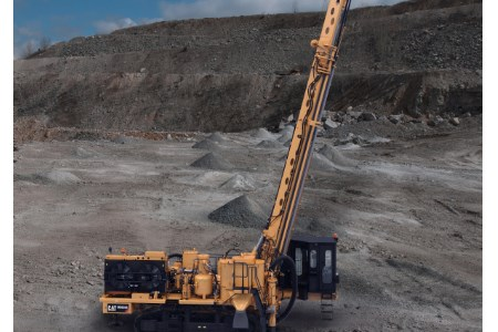 Caterpillar introduces new MD6200 rotary blasthole drill